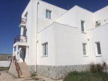 Продается доходный дом в пгт. Заозерное, Песчанка, общей площадью 718 кв.м.