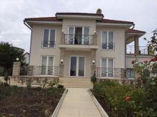Продается 2-х эт. дом 224 кв.м. на участке 12 соток в пгт. Черноморское