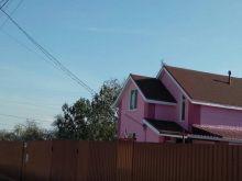 Новый дом с приятным ремонтом, ухоженным участком