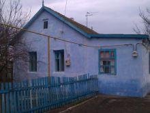 Продается дом в центре с. Межводное, Черноморского р-на.