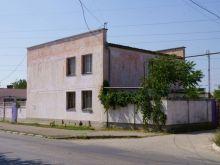 Продается дом в Евпатории, общей площадью 262 кв.м., два этажа.