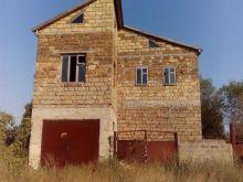 Продается дом дачный в п. Черноморское, общей площадью 230 м.кв.